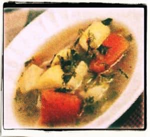 Sopa de pollo y vegetales